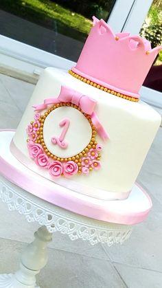 Crown cake - Cake by acakeaffair cake Crown cake 1st Birthday Cake For Girls, Girl Birthday Decorations, Baby Birthday Cakes, Birthday Cake Decorating, Birthday Cake Cookies, Torta Princess, Princess Crown Cake, Tortas Baby Shower Niña, Tiara Cake
