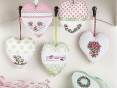 Shabby chic heart hanging template | Cross Stitching