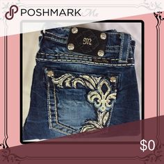 Miss me jeans EUC re-poshing// not friyed// no gems missings/ mint condition. Miss Me Jeans Boot Cut