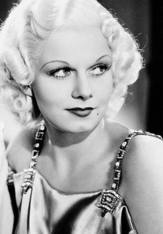 Jean Harlow in China Seas, 1935 Old school Hollywood. She is so pretty! Viejo Hollywood, Hollywood Icons, Old Hollywood Glamour, Golden Age Of Hollywood, Vintage Glamour, Vintage Hollywood, Hollywood Stars, Hollywood Actresses, Classic Hollywood