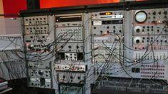 MUFF WIGGLER :: View topic - Vintage modular (HP 50's/60's test equipment) @de Toonzaal