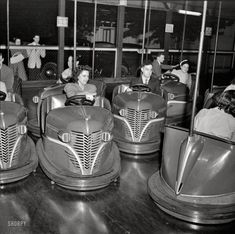 """May 1942. """"Southington, Connecticut. Amusement park."""" With a dress code. Photo by Fenno Jacobs for the Office of War Information"""