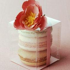 macaroon wedding favor.  love the flower--simple.