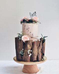 """Cake Baking Enthusiast on Instagram: """"More from this wood series we so love 💕 Credit: @zeeandellesg Follow @bakingist for more⠀⠀ •⠀ •⠀ •⠀ •⠀ • •⠀ •…"""""""