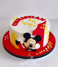 Mickey Mouse Birthday Decoration Ideas Awesome Pin by Yael Kaldor On Cakes I Love In 2019 Bolo Da Minnie Mouse, Bolo Mickey, Mickey And Minnie Cake, Fiesta Mickey Mouse, Mickey Cakes, Mickey Mouse Birthday Decorations, Theme Mickey, Mickey 1st Birthdays, Mickey Mouse Birthday Cake