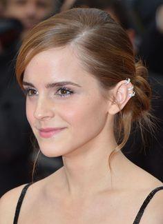 Emma Watson en Repossi au Festival de Cannes 2013 http://www.vogue.fr/joaillerie/le-bijou-du-jour/diaporama/emma-watson-en-repossi-festival-de-cannes-2013-the-bling-ring/13257