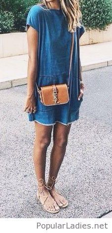 denim-dress-with-brown-accessories