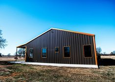 Amazing Oklahoma Barndominium - Pictures, Builder Info, Cost, and More Metal Barn House Plans, Metal Building House Plans, Metal Barn Homes, Pole Barn Homes, Build House, Barndominium Pictures, Barndominium Floor Plans, Shed Homes, Cabin Homes
