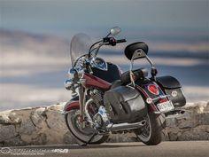 2014-Triumph-T-bird-LT-beau.jpg same bike different color scheme..  so nice.