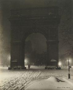 Jessie Tarbox Beals (1871-1942), Washington Square, New York, circa 1910.