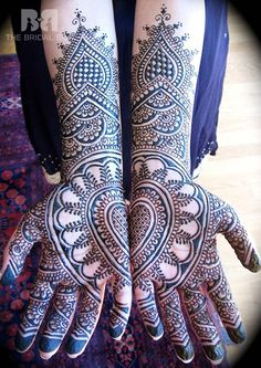 Gujarati Bridal Mehndi Designs: 19 Best Styles That Stand Out