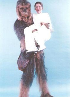 "Chewbacca Actor Tweets Incredible Behind-the-Scenes ""Star Wars"" Pics"