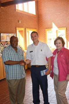 Jacob Smith, Private First Class, newly stationed at Fort Benning was met with smiles & support from State Senator Ed Harbison at the Visitor Information Center in Columbus, #Georgia!   Thank you for your service, Jacob!