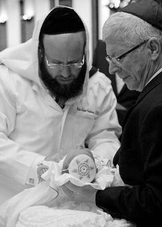 Mohel Rabbi Moshe Chaim Friedman Bris by Lasting Memories Photography - mazelmoments.com