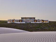 Morukuru Beach Lodge at the De Hoop Nature Reserve in South Africa Historical Architecture, Amazing Architecture, The Lodge Restaurant, Safari, Garden Route, Coast Australia, Minimalist Interior, Minimalist Decor, Modern Interior