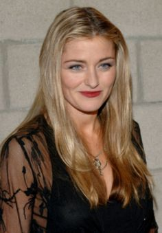 The Image Engine Images Louise Lombard, Gal Gabot, Star Actress, Ncis Los Angeles, Celebrity Pictures, Movie Stars, Tv Shows, Actresses, Female