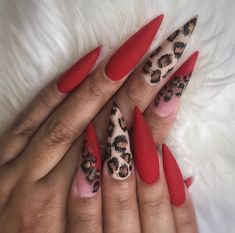 Image discovered by Brittney Marvét 🌻💛. Find images and videos about love, beauty and black on We Heart It - the app to get lost in what you love. Red Cheetah Nails, Leopard Print Nails, Polka Dot Nails, Faded Nails, Diamond Nail Art, Best Acrylic Nails, Swag Nails, Gel Nails, Nail Care