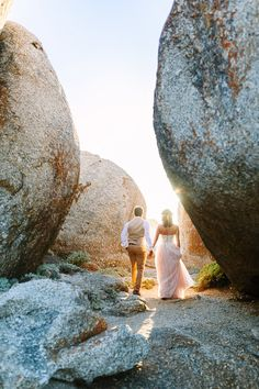 Llandudno Beach Couple Photos in iconic Cape Town, South Africa. Dreamy engagement or anniversary idea, for a elopement with epic photographs.  #capetown #southafrica #beachwedding #wedding #engagement #beachphotography #coupleshoot #weddingphotography #confettidaydreams #llandudno Wedding Photography Poses, Wedding Photography Inspiration, Beach Photography, Boho Beach Wedding, Beach Weddings, Golden Hour Photos, Wedding Anniversary Photos, Destination Wedding Locations, Couple Beach