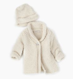 Day 11 of LuxeFind's Ultimate Giveaway - Barefoot Dreams Cardigan and Hat Gift Set