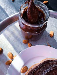 Tasty Vegan Almond Chocolate Spread - The Vegan Honey Pot Almond Chocolate, Chocolate Spread, Dark Chocolate Bar, Honeypot, Vanilla Essence, Coconut Cream, Tray Bakes, Vegan Vegetarian, Easy Meals