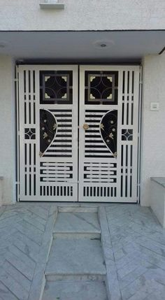 Home Gate Design, House Main Gates Design, Steel Gate Design, Front Gate Design, Porch Gate, Door Gate, Iron Fence Gate, Grill Door Design, Metal Doors