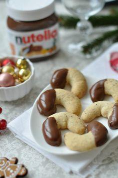 Mi van akkor, ha az egyébként is finom vaníliás kiflit még Nutellába® mártjuk? Megmondom szívesen: az van, hogy nagyjából 2 perc alatt elpárolog az...