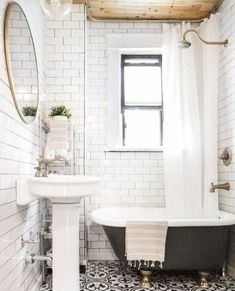 Guest Bathroom Makeover Ideas You Must Have 34 Small Bathroom, Small Bathroom Decor, Traditional Bathroom, Diy Bathroom Decor, Bathroom Tile Designs, Bathroom Trends, Bathroom Design Small, Clawfoot Tub Bathroom, Tile Bathroom