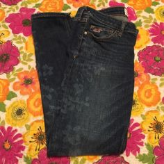 Hollister floral bleached Cropped jeans size 3 Excellent condition. Worn a couple times. Cropped skinny jeans. Size 26 Hollister Jeans Ankle & Cropped