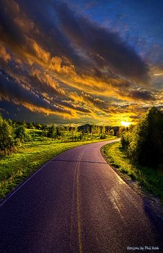 """Just Around the Bend"" Wisconsin Horizons By Phil Koch. http://phil-koch.artistwebsites.com https://dashburst.com/philkoch/164"