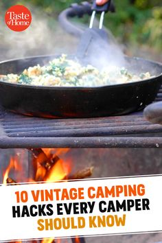 10 Vintage Camping Hacks Every Fireside Cook Should Know Best Camping Meals, Camping Hacks, Camping Recipes, Kitchen Designs Photos, Kitchen Pictures, Kitchen Decor Sets, Kitchen Post, Easter Recipes, Outdoor Cooking