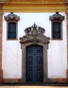 porta de igreja em Ouro Preto