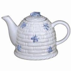 Sadek Blue Bee Basket Weave Teapot