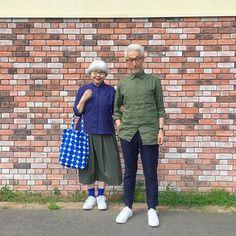 ネイビー&カーキ bon オールUNIQLO pon オールUNIQLO スニーカーはどちらもノーブランドです。 #ネイビー&カーキ #夫婦 #60代 #ファッション #コーディネート #夫婦コーデ #今日のコーデ #グレイヘア #白髪 #共白髪 #couple #over60 #fashion #coordinate #outfit #ootd #instafashion #instaoutfit #instagramjapan #greyhair