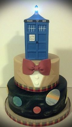 Cakes of the Day: Yes, cakes…plural! Doctor Who Wedding Cakes!!!