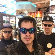 I'm a famous sportsman and this my security.#sunglass #sunglasses #sun #cool #summer #vacation #lol #best #myblog #style #funny #look #party #selfie #face #mustache #fun #dude #swag #sunshine #fresh #awesome #hat #cap #rocknroll #skateboard #snowboard #blog #underground #blogger http://unirazzi.com/ipost/1507907332099908448/?code=BTtKbq0BaNg