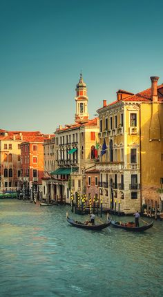 Travel Photography: Hot Afternoon in Venice (Italy)  - photo by Viktor Elizarov from www.PhotoTraces.com