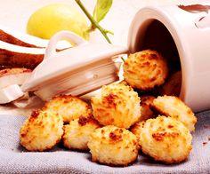A los que os guste el coco, ya habréis disfrutado más de una vez con las sultanas, esa especie de pastelitos que andan entre las galletas y las magdalenas.