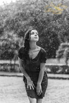 Artistic photo shoot in the rain in Playa del Carmen Mexico. Black and white photos made on a rainy day. Life is about learning to dance in the rain. Girl In Rain, I Love Rain, Dancing In The Rain, Rainy Day Photography, Rain Photography, Portrait Photography, Rainy Mood, Under The Rain, Riviera Maya