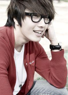 Image from http://s3.favim.com/orig/41/actor-asian-il-woo-jung-il-woo-korean-Favim.com-346113.jpg.