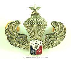 PHILIPPINES PHILIPPINO ARMY AIRBORNE PARACHUTE WING METAL PARA 1962
