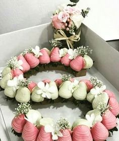 Strawberry Tower, Strawberry Mousse, Strawberry Shortcake, Strawberry Sweets, Strawberry Ideas, Valentine Desserts, Valentines, Easy Desserts, Number Cakes