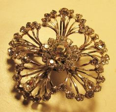 Vintage 50's Flower Prong Set Glass Crystal Rhinestone Pin Brooch Clear