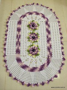 Tapete oval lilás – Mais um trabalho pronto | Croche.com.br