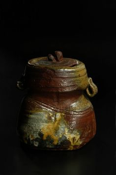 abe_anjin_white_goma_mizusashi-800.jpg - Toku Art -Contemporary Japanese Ceramics & Applied Arts