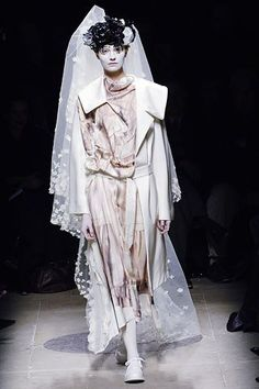 Comme des Garçons Fall 2005 Ready-to-Wear Collection Photos - Vogue