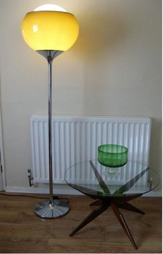 retro lamp & table