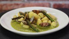 Ricetta Gnocchi fonduta, zucchine e salsiccia: Gli gnocchi fonduta, zucchine e salsiccia sono un primo piatto eccezionale, tanto ricco, ideale per la domenica a pranzo ad esempio. Provateli!