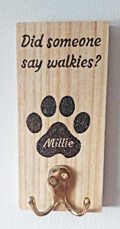 Personalized Dog Lead Holder - pinupi love to share Gifts For Dog Owners, Dog Lover Gifts, Dog Lovers, Dog Leash Holder, Stuffed Animal Storage, Dog Crafts, Dog Paws, Dog Mom, Pyrography Ideas
