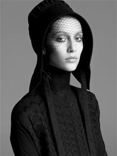 Plainly Dressed - Authentic Amish and Mennonite clothing featured in Italian Vogue, 2006