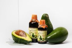 Zielona bomba witaminowa! Zimnotłoczony, nierafinowany olej z avocado. Intensywnie nawilżający, idealny do pielęgnacji cer suchych i skłonnych do podrażnień.